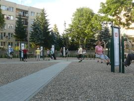 Działania sportowo-rekreacyjne dla seniorów Gminy Bystrzyca Kłodzka - stadion sportowy, siłowa zewnętrzna