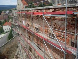 Przeprowadzenie prac konserwatorskich oraz niezbędnych robót budowlanych - mury obronne przy ul. MIędzyleśnej